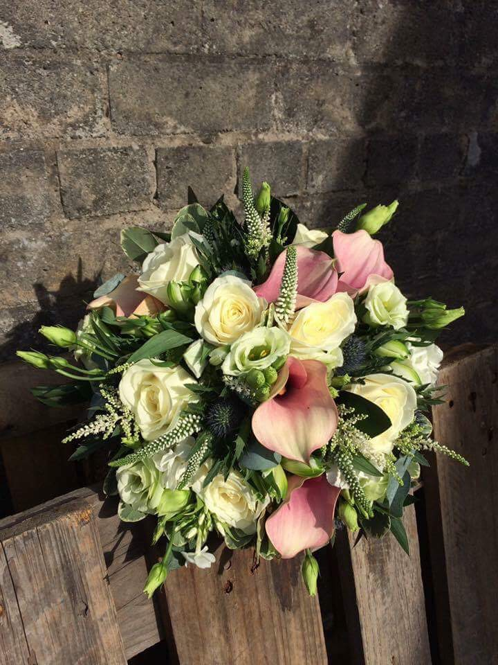 Wedding flowers. Local supplier interview with JB Moments Photography