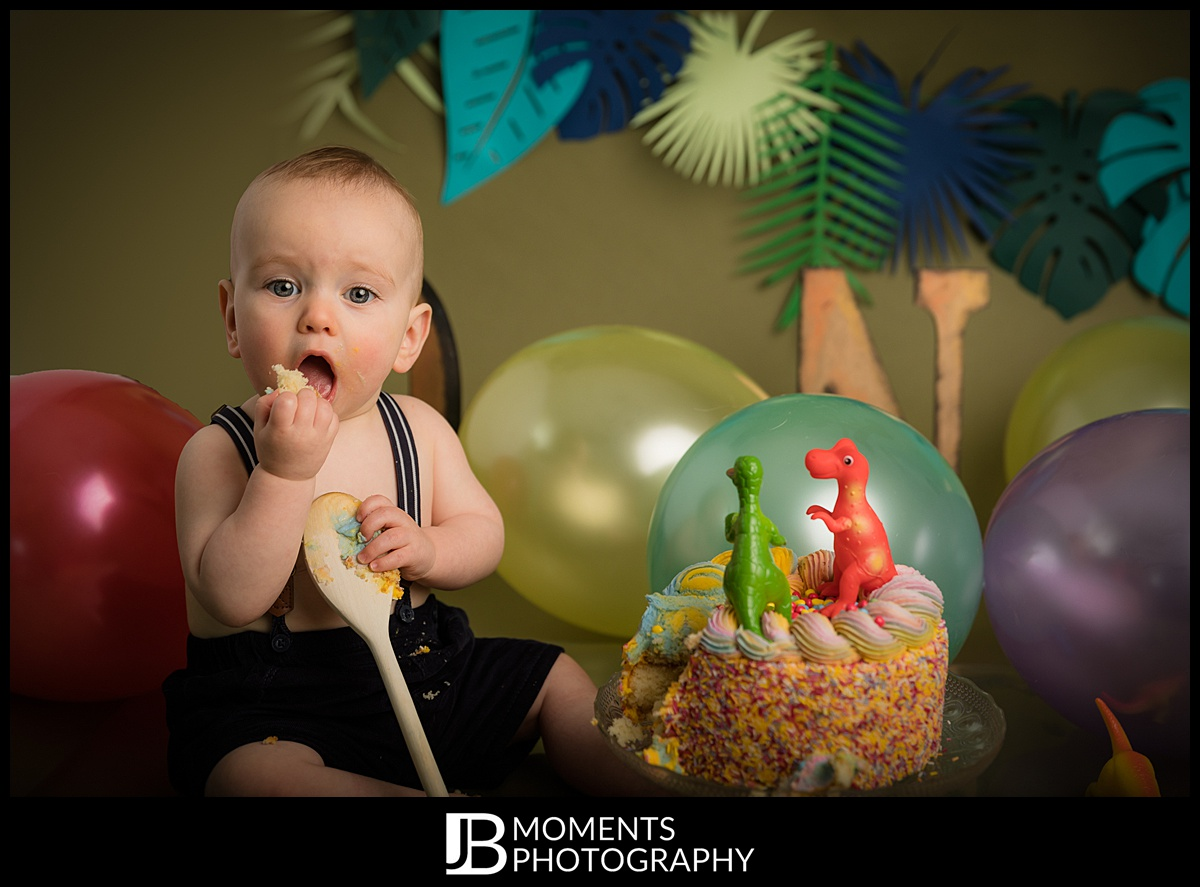Cake Smash and Tub Splash Photography by JB Moments Photography